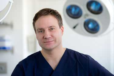 Dr. Andreas Knapp
